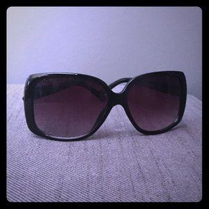 Astonishing Large Frame Thari Sunglasses, NEW!!!